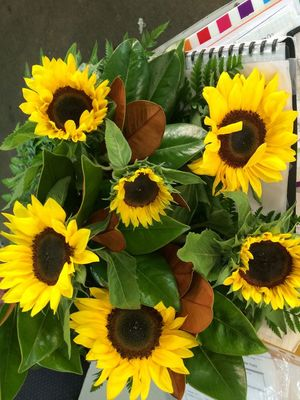 shop/sunflower-cut-bouquet.html